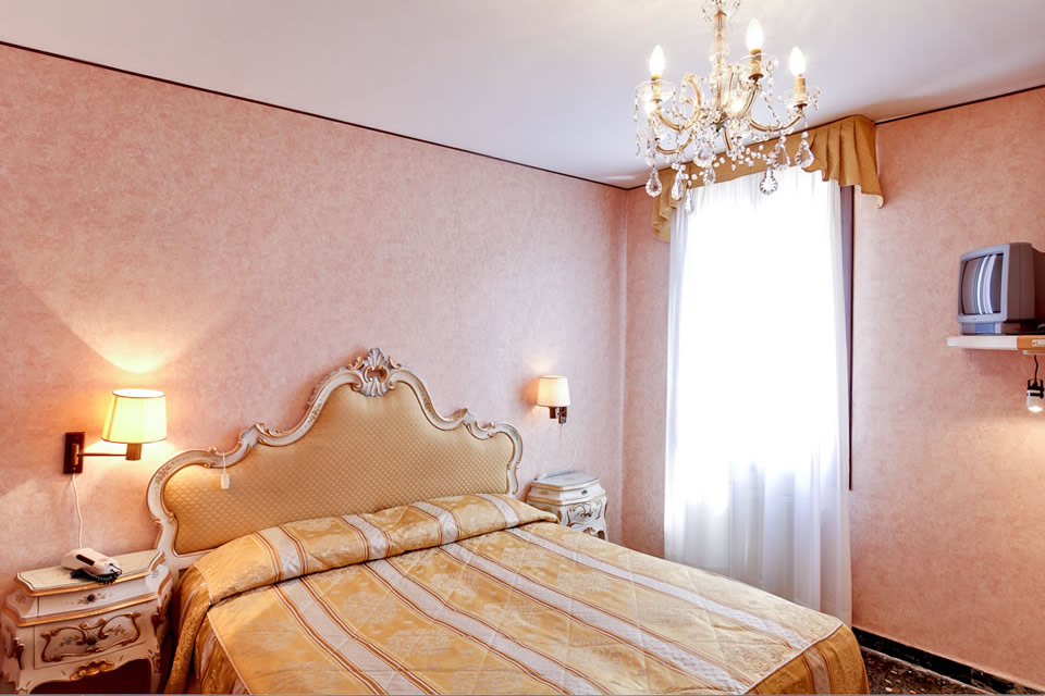 Hotel Basilea Venice Official Site 3 Star Hotel Accommodation